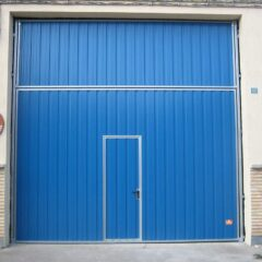 Puerta contrapesada